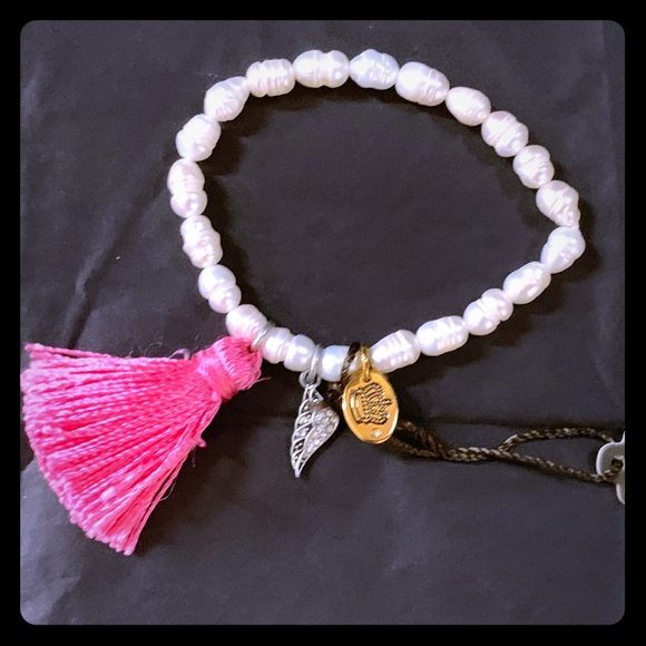 Juicy Couture Jewelry - NWT Juicy Couture Pearl Stretch Tassel Bracelet